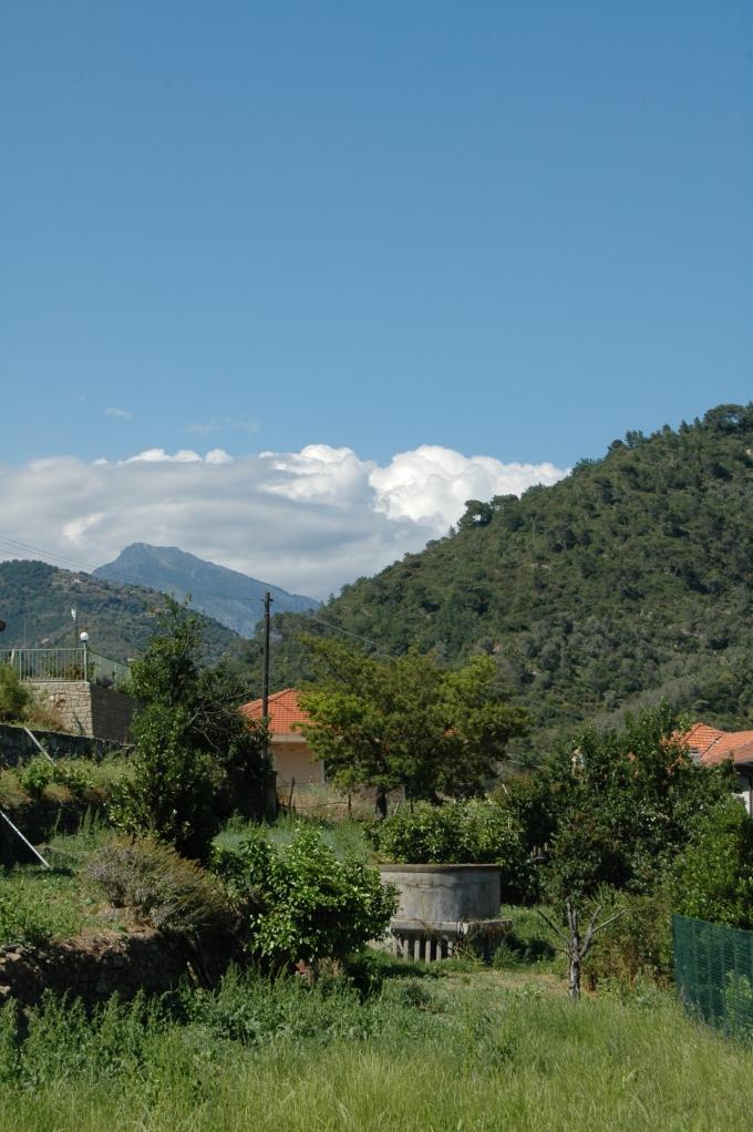Dolceacqua (IM) in Val Nervia e dintorni